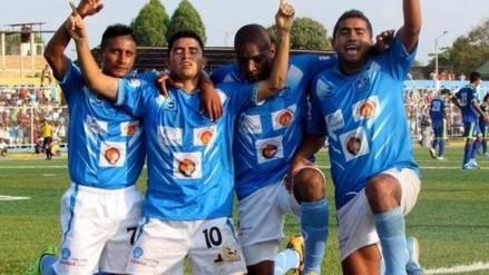 Cientos de hinchas recibieron a jugadores de La Bocana tras ganar la Copa Perú