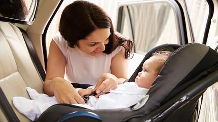 La mayoría de padres no instala correctamente las sillas infantiles en el auto