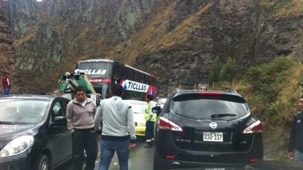 Choque de camión con combustible paraliza el tránsito en Huarochirí