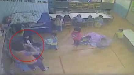 YouTube: profesora de jardín golpea despiadadamente a sus alumnos