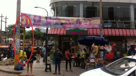 Semáforo es tapado por anuncio publicitario en San Juan de Lurigancho