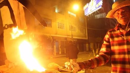 Año Nuevo: quema de muñecos o llantas puede causar cáncer