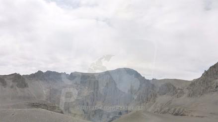 Reportan emisión constante de fumarolas de volcán Ubinas