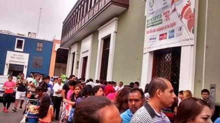 Trujillo: largas filas en afueras del SATT para pago de tributos