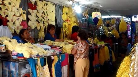 Trujillanos abarrotan locales en busca de productos para sus cábalas