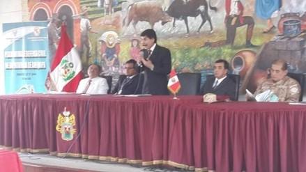 Alcalde de Arequipa continúa internado por fuerte estrés