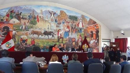 Regidora reemplaza a alcalde de Arequipa que sufrió desmayo por estrés