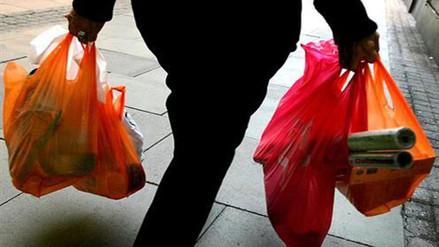 Senegal prohíbe el uso de bolsas de plástico para evitar contaminación