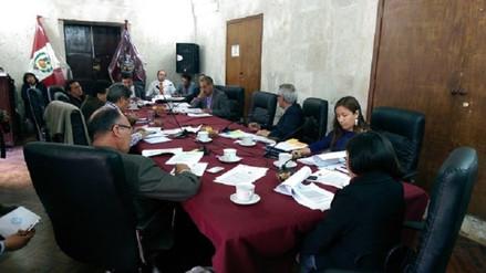 Designan a nuevo presidente de Concejo Regional en accidentada sesión