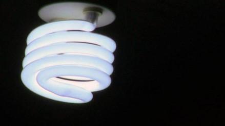 Osinergmin: Si el dólar sube, tarifas eléctricas seguirán al alza