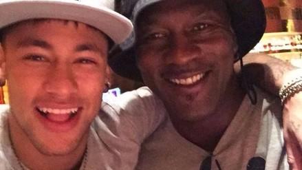YouTube: Neymar se 'unió' al equipo de Michael Jordan (VIDEO)