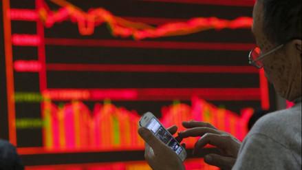 Acciones de China remontan luego de desplome bursátil de la víspera