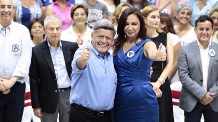 Marisol Espinoza se une a las filas del partido de César Acuña