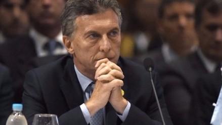 Sindicatos critican a Macri por despidos masivos en el sector público