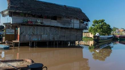 Pobladores abandonan viviendas ante incremento del río Huallaga