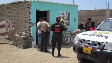 Patrullero de la policía impactó contra humilde vivienda de Monsefú