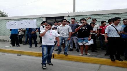 Lambayeque: estudiantes protestan por suspensión de actividades en UNPRG