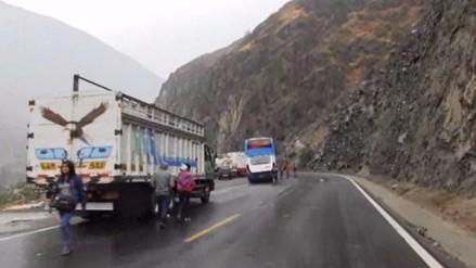 Carretera Central: restablecen tránsito tras despiste de tráiler