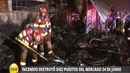 VES: incendio consume 10 puestos del mercado 24 de junio