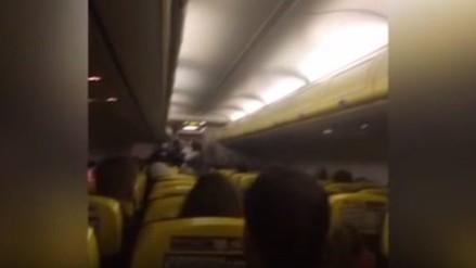 """Tripulante de avión a pasajeros: """"No queremos morir"""""""