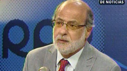 Daniel Abugattás: Ana Jara tiene que estar en la lista congresal sí o sí