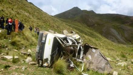 Despiste de camioneta deja dos muertos en la vía Cusco – Quillabamba