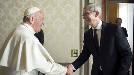 Tim Cook se reunió con el papa Francisco en el Vaticano