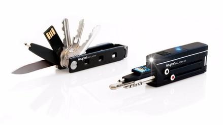 Una navaja suiza que incorpora una memoria USB y un localizador