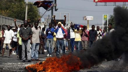 EEUU pide detener la violencia en Haití y concluir el proceso electoral