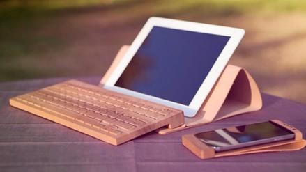 Board 2, un teclado de madera para tabletas y teléfonos inteligentes