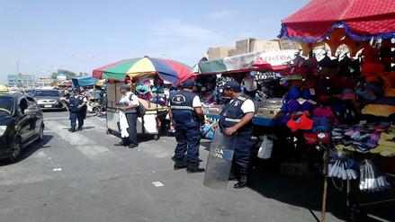 Realizan operativo de desalojo en calles aledañas al mercado Modelo