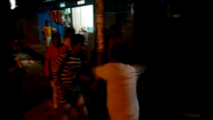 Video: pobladores de Quillabamba azotan con chicote a ladrón de celular