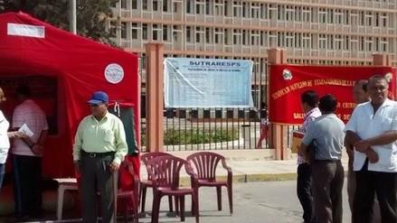 Nuevo Chimbote: trabajadores de salud inician huelga de hambre
