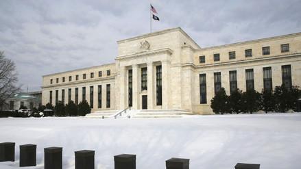 EEUU: Fed decide mantener sin cambios sus tasas de interés