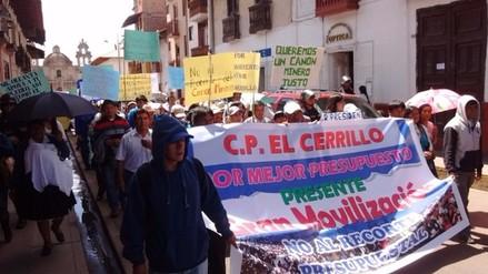 Pobladores de Baños del Inca protestaron contra recorte de presupuesto