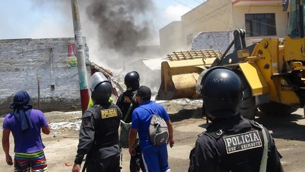 Chimbote: policía agrede a una mujer en violento desalojo