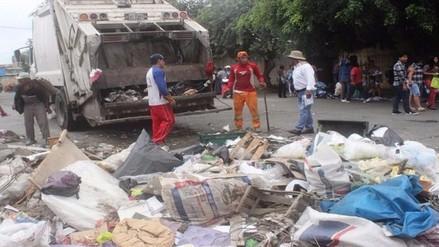 Recogen más de 10 toneladas de basura del mercado Modelo de Chiclayo