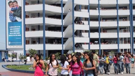 Alumnos de la UCV opinaron por tema de plagio
