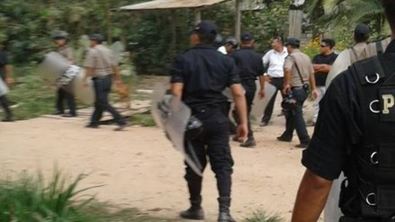 Coronel Portillo: pobladores desalojados se enfrentan a policías
