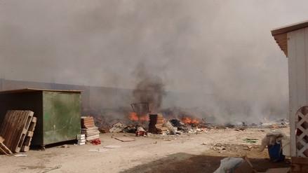 Pobladores piden cierre de locales de reciclaje tras incendio en Chosica