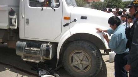 Chincha: camión esquiva mototaxi y se empotra en vivienda