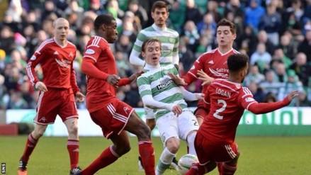 Twitter: jugadores del Celtic y Aberdeen en una jugada anti 'tiki taka'