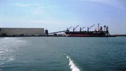 Cierran puerto de Salaverry por oleajes irregulares