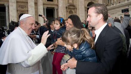 Papa Francisco: emotivo encuentro con el actor Joseph Fiennes