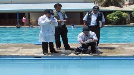 Recomiendan techar piscinas para evitar daños a la piel