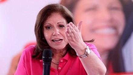 Lourdes Flores: Candidatura de César Acuña está dañada muy severamente
