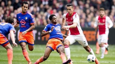 Renato Tapia debutó en la derrota del Feyenoord por 2-1 ante el Ajax