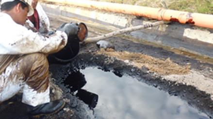 Derrame de petróleo contamina las aguas del rio Morona