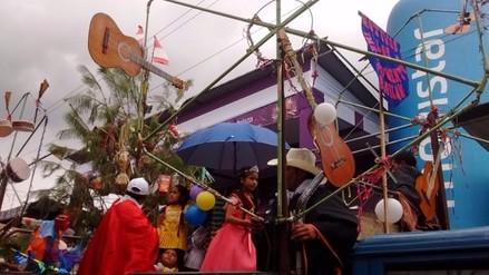 Miles de cajamarquinos disfrutaron del gran corso del carnaval