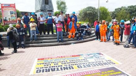 Mineros de Austria Duvaz exigen intervención de gobierno regional